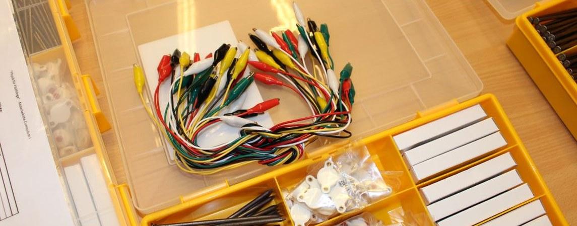 Inhalt der Experimentierkiste Elektrische Stromkreise