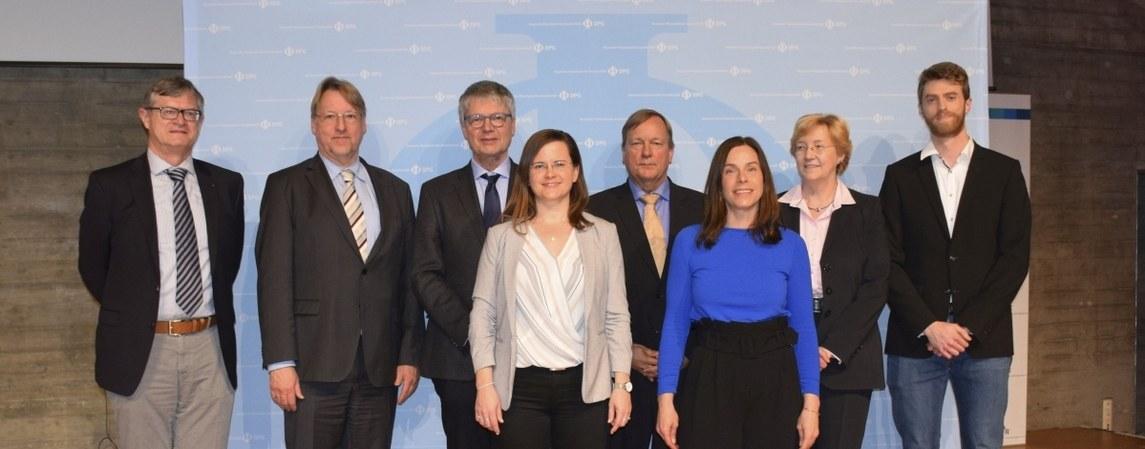 Preisträgerinnen und Preisträger auf der DPG-Frühjahrstagung in Regensburg