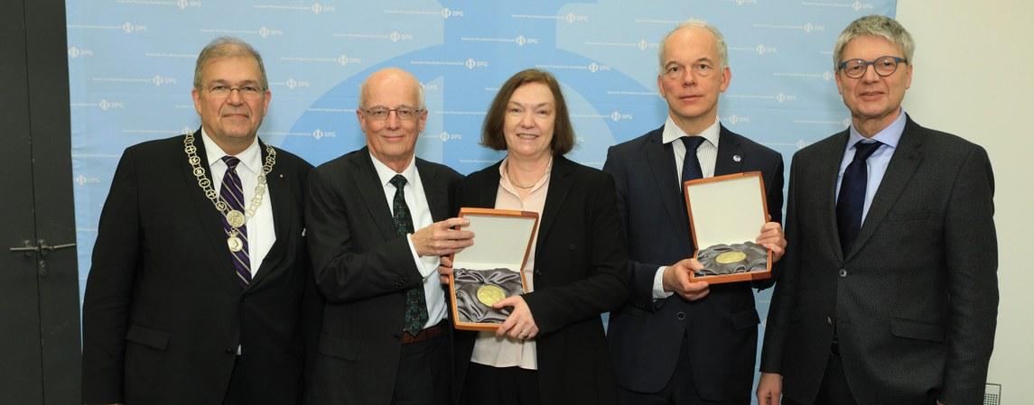 Preisträgerinnen und Preisträger auf der DPG-Frühjahrstagung in Rostock