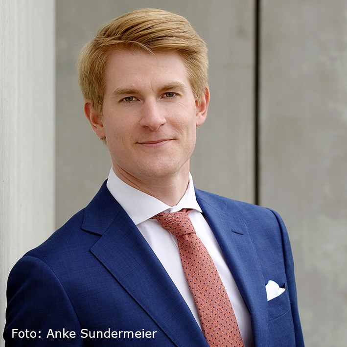 Dr. Christophe Cauet (Foto Anke Sundermeier) mit verweis 2.jpg