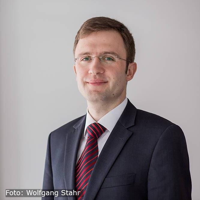Dr. Matthias Hofmann (Foto Wolfgang Stahr) Website + Video.jpg
