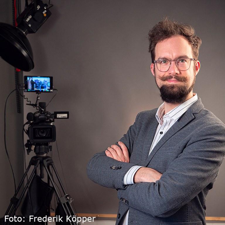 Johannes Pauly (Foto Frederik Köpper, MPI-BPC)quadratmit Verweis.jpg