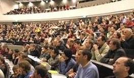 Physik-Gemeinde wächst in neue Dimensionen