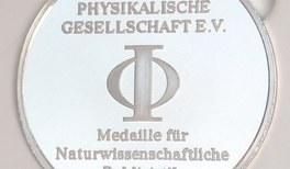 """""""Physikanten & Co."""" erhalten Medaille für Naturwissenschaftliche Publizistik"""