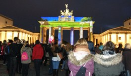 Berlin erstrahlt in internationalem Licht