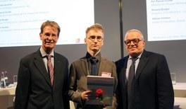 DPG gratuliert Hannes Vogel von der Regionalgruppe Leipzig der Jungen DPG zum MINT-Botschafterpreis