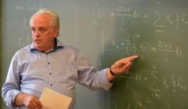 Physik- und Astronomiedidaktiker Karl-Heinz Lotze erhält Seniorprofessur der Wilhelm und Else Heraeus-Stiftung