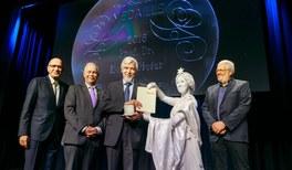 Urania-Medaille für Rolf-Dieter Heuer