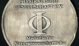 """Medaille für naturwissenschaftliche Publizistik für """"Forschung Aktuell"""""""