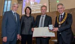 Verleihung des Otto-Hahn-Preises an den Gravitationswellenforscher Karsten Danzmann
