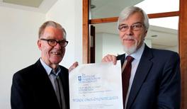 Reimar Lüst zum DPG-Ehrenmitglied ernannt