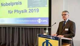 Die Deutsche Physikalische Gesellschaft gratuliert James Peebles, Michel Mayor und Didier Queloz zum Physik-Nobelpreis