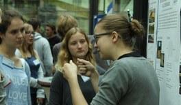 Physik im Kopf: Jugendliche diskutieren im Physikzentrum Bad Honnef über ihre Forschung