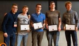 """""""Die Vier(er) Vektoren"""" gewinnen den internationalen Physik-Wettbewerb PLANCKS"""