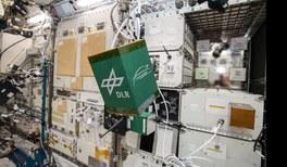 Nach den Sternen greifen: Studierendenexperimente für die ISS