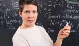 Viola Priesemann erhält die Medaille für naturwissenschaftliche Publizistik 2021
